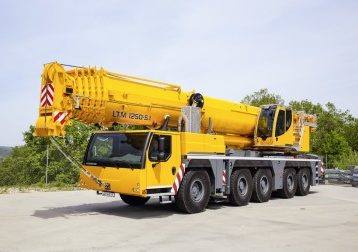 liebherr_mobile_crane_ltm_1250_5_1driving_position_300dpi.4Pn